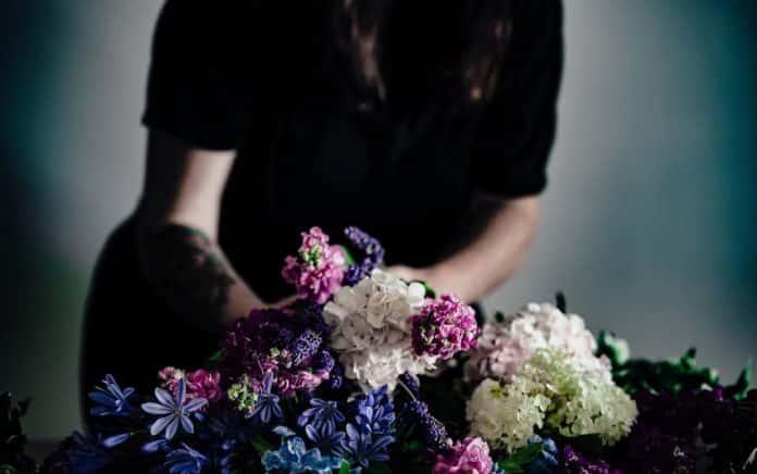 świat kwiaty pogrzeb